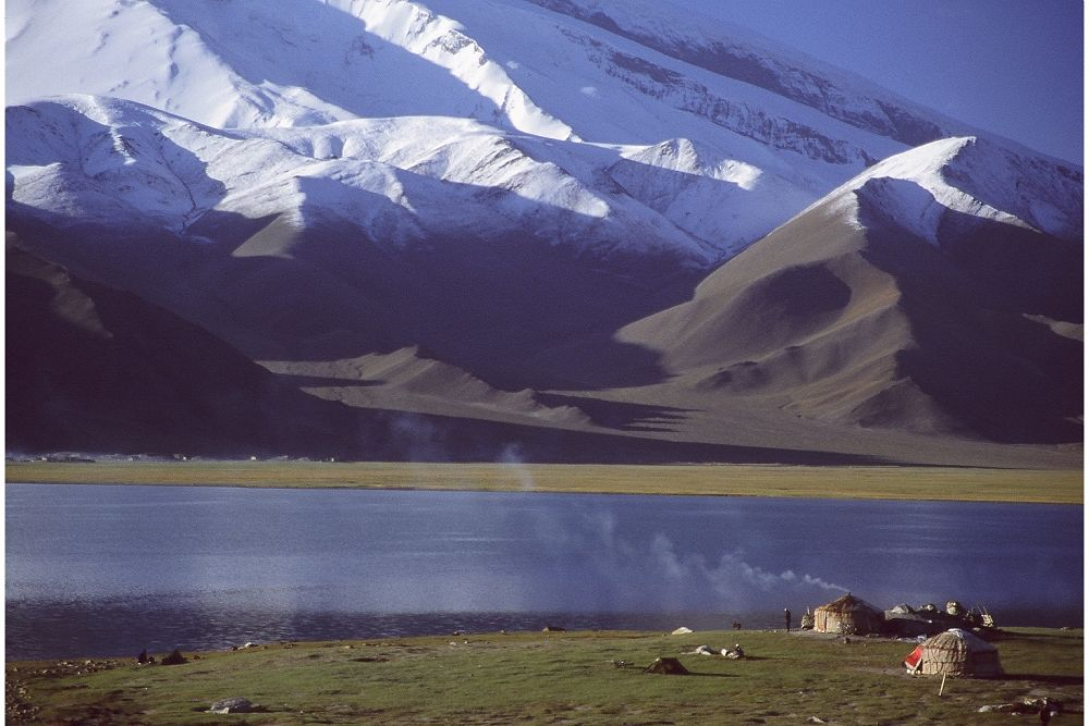 Lake Karakul and Muztagh Ata, Western China